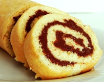 Oat Bran Vanilla Swiss Roll with Cocoa Spread (Dukan Diet PP Cruise Recipe)