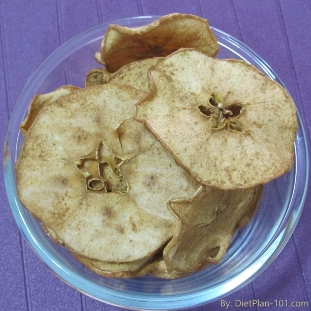 Crispy Homemade Baked Apple Chips with Cinnamon – Healthy World Cup Snacks