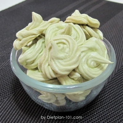 Japanese Green Tea Meringue Cookies Recipe